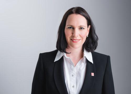 Martina Neumair Prokuristin und Personalmanagerin bei Butz und Neumair Aufzugbau
